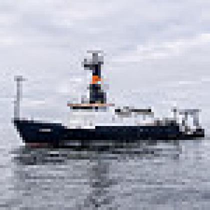 Image of R/V Oceanus