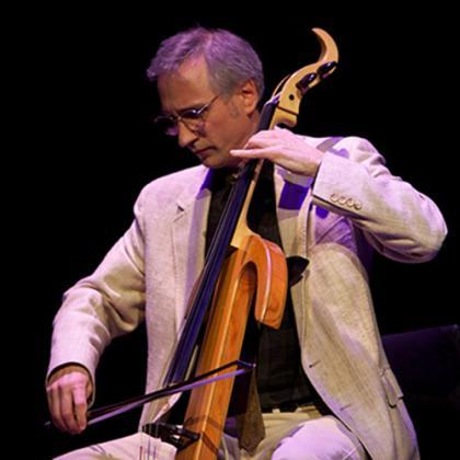 Gideon Freudmann with cello