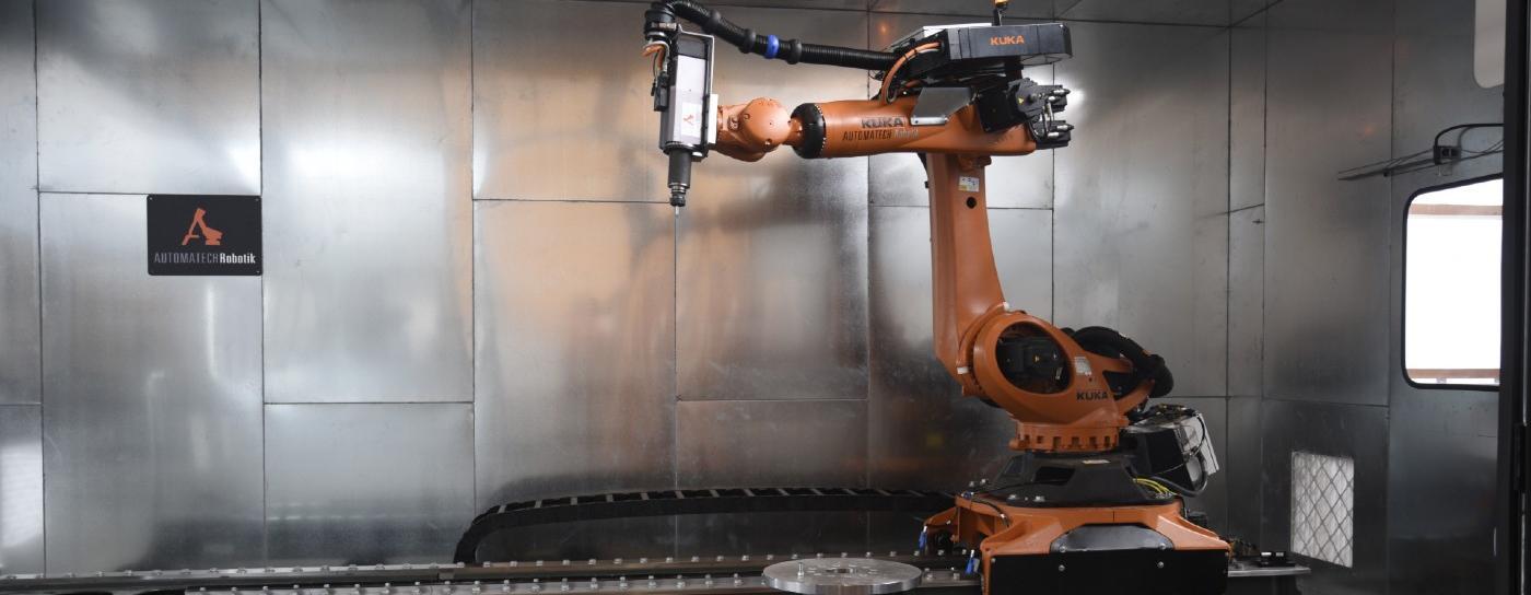 Kuka robot precision woodcutter